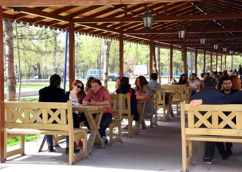 Öğrenciler için kafe